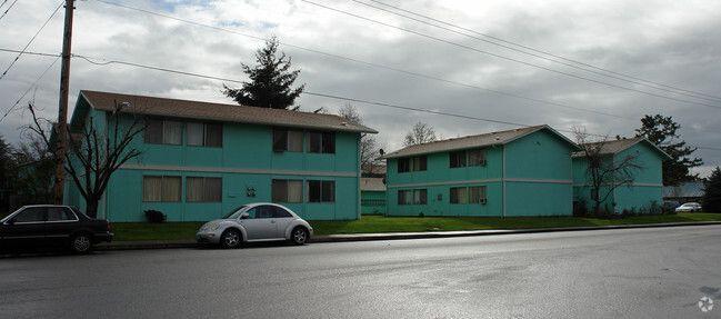 Santiam Terrace