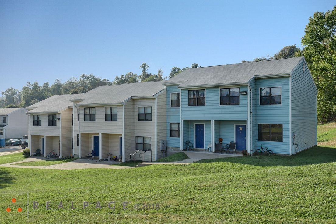 Bentleyville Apartments