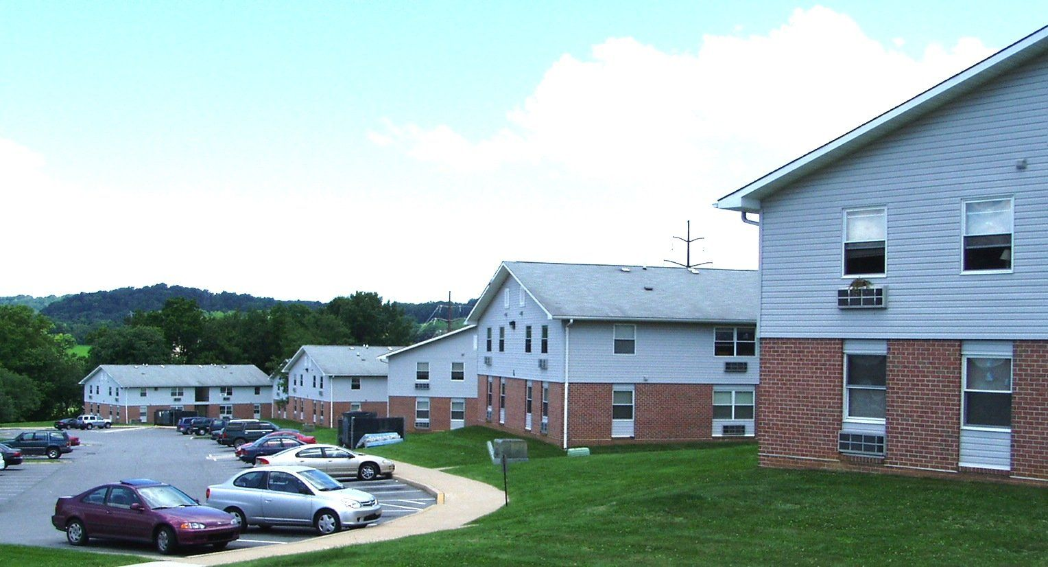 Oswego Village Aka Oak Hollow South