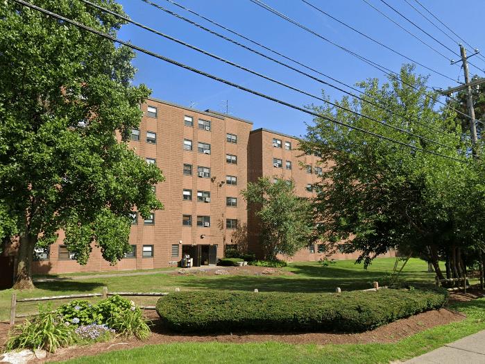Lonsdale Senior Apartments