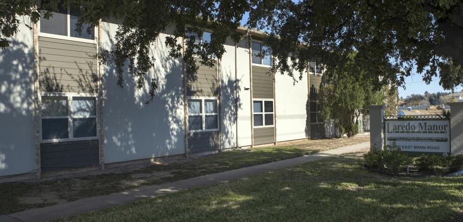 Laredo Manor